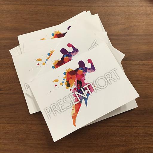 Dags att fira någon som vill prova på, eller kanske utvecklas mer inom löpning? Gratulera med ett presentkort (laddas med valfritt belopp).